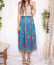Load image into Gallery viewer, Vintage broomstick skirt  M-L