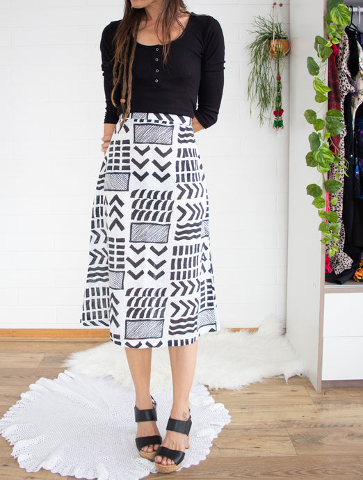 Abstract monochrome 80s skirt S