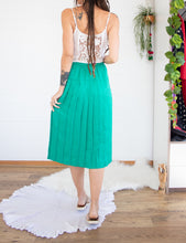 Load image into Gallery viewer, Emerald 80s pleated skirt XS-S
