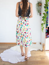 Load image into Gallery viewer, Vintage floral midi skirt M