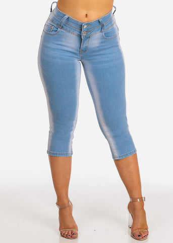 Image of Women's Junior Ladies Teen Must Have 2 Button Light Wash Stretchy Butt Lifting Denim Capris