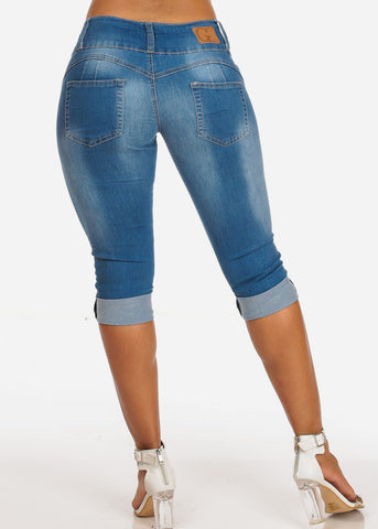 Women's Junior Summer 3 Button Stylish Stretchy Med Wash Booty Lifting Levanta Cola Cuffed Denim Capri