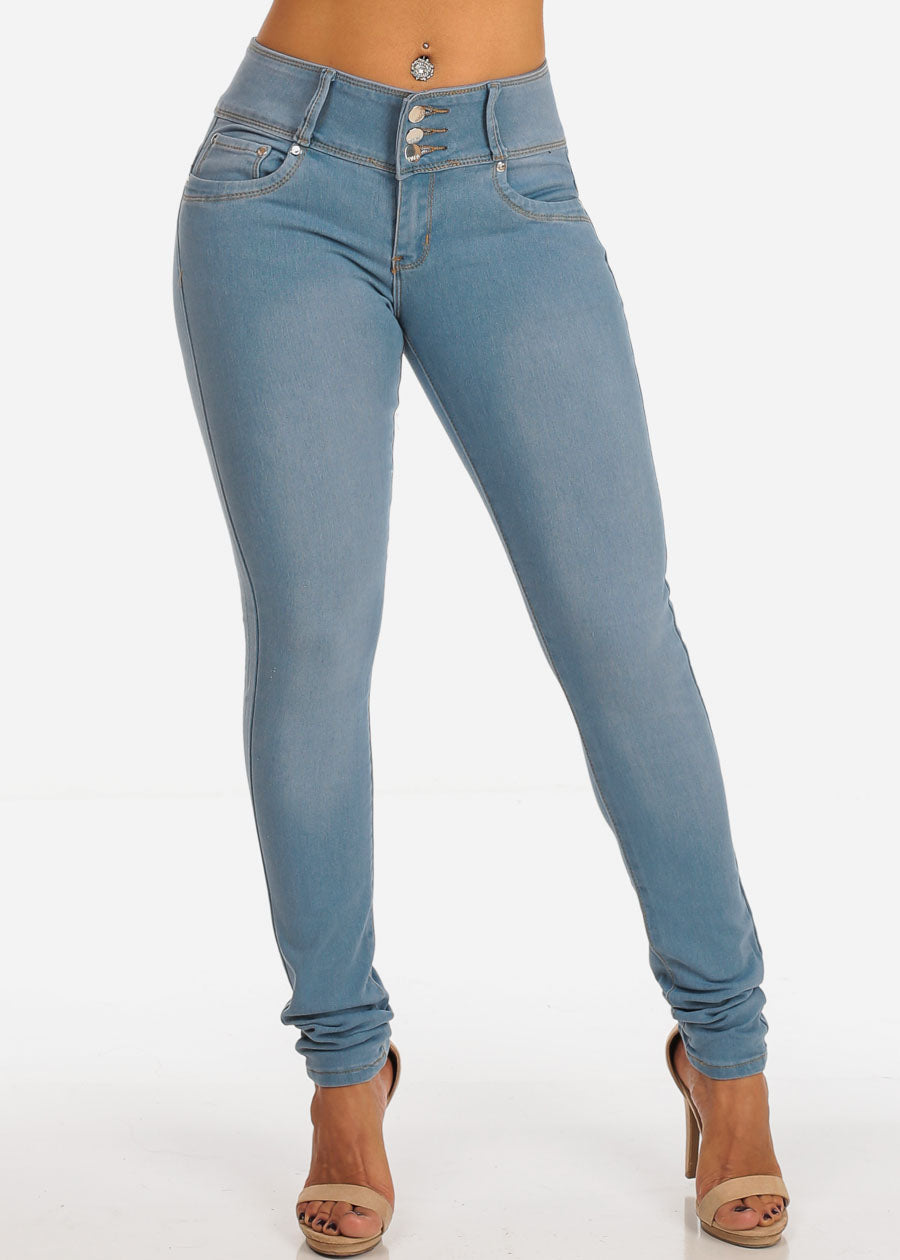 Mid Rise Levanta Cola 3 Button Light Wash Skinny Jeans