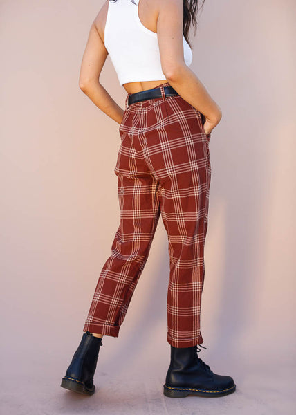 Plaid pants with elastic waist, pockets and belt loops
