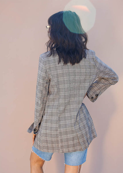 Lightweight Plaid Blazer with thin shoulder pads, Faux pockets and one button enclosure