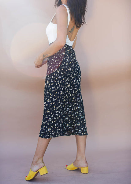 black with white and yellow floral midi skirt, eleastic waistband, Midi Length