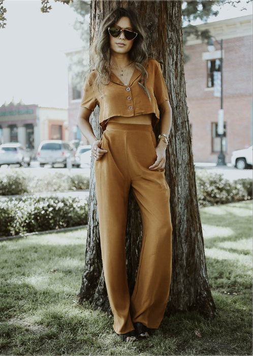 High waisted, flat front, wide leg pants with back zipper.