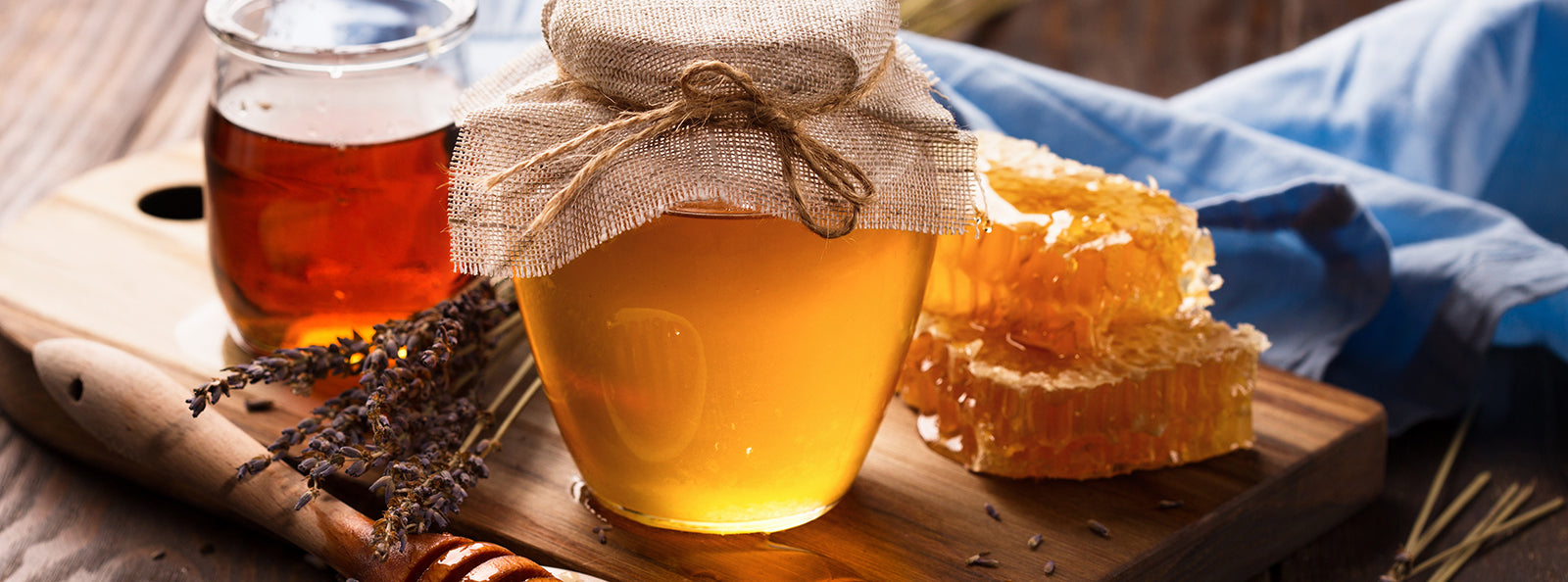 5 Reasons Why You Should Have Honey Instead of Sugar In Your Cupboard