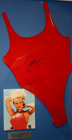 How to look like Pamela Anderson in a swimsuit