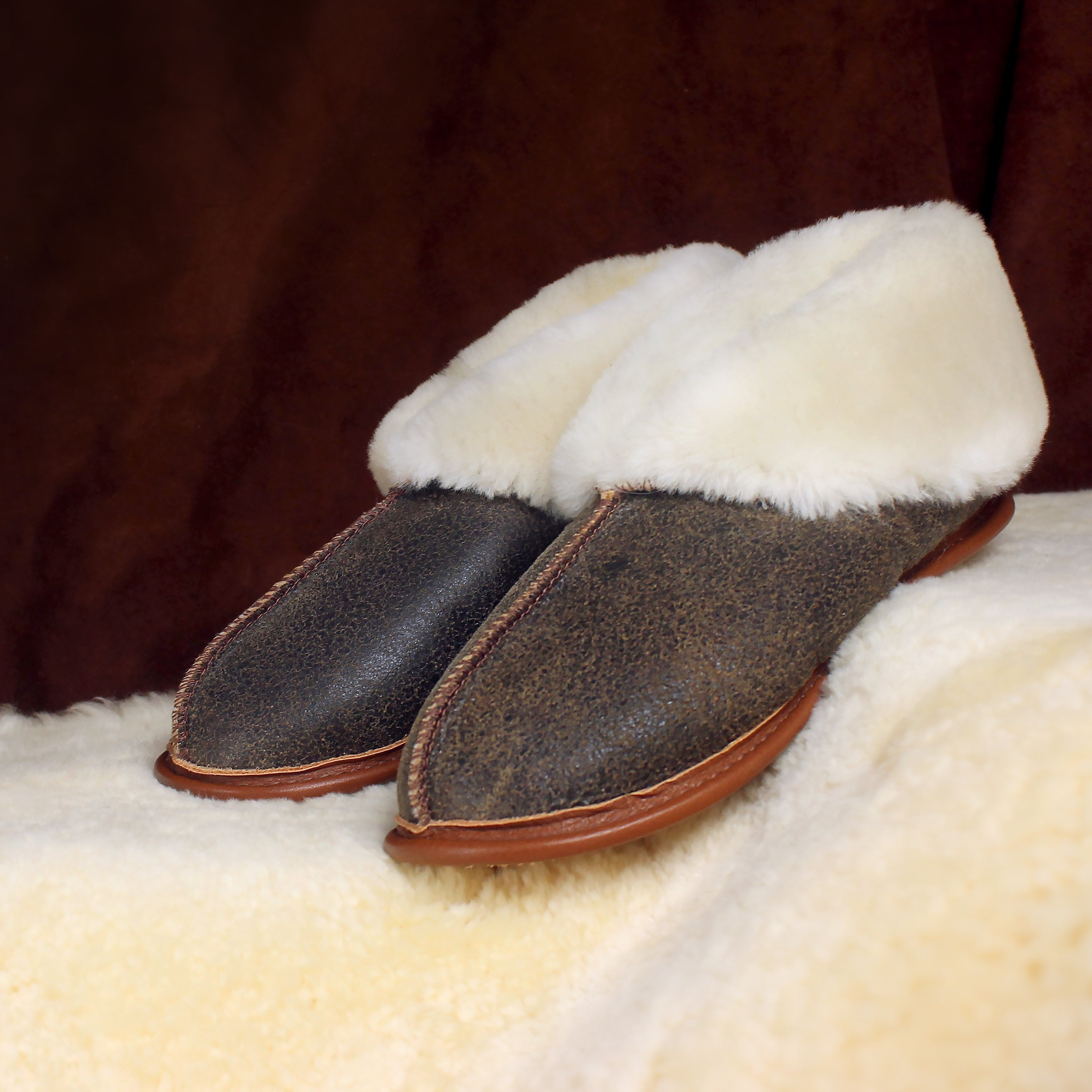 Women's Shearling Sheepskin Slippers