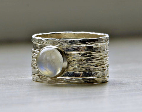 unique wearthy wedding rings
