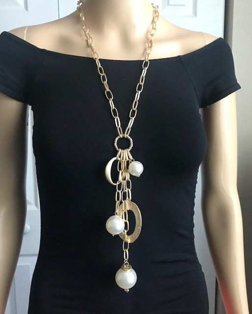 Gold and Pearl Necklace