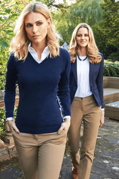 2307 - Atlanta V-Neck Jumper Womens Knitwear Brook Taverner