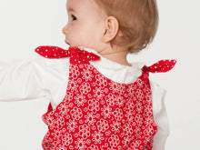 Laden Sie das Bild in den Galerie-Viewer, Baby overall sewing pattern LILLI&BO - Paper pattern