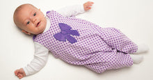Laden Sie das Bild in den Galerie-Viewer, Baby jumpsuit sewing pattern PLINIO - Paper pattern