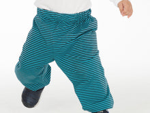 Laden Sie das Bild in den Galerie-Viewer, Easy kids baby pants sewing pattern for boys + girls with elastic band and hemline. Toddler sweatpants for beginner TORINO by Patternforkids