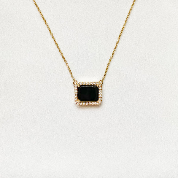 Jump on the pendant necklace trend with the onyx and diamond pendant from Kate Danielle