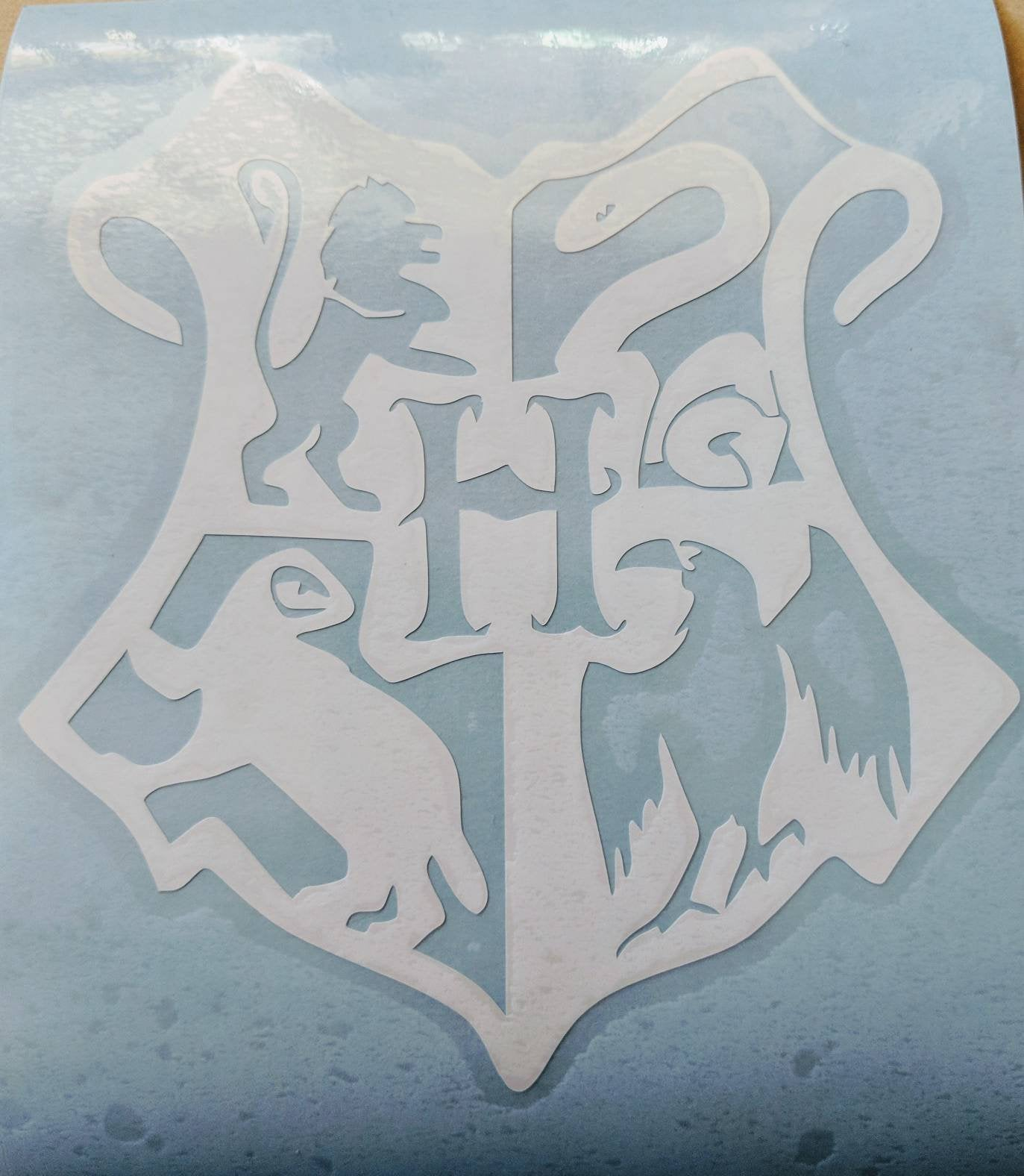 Load image into gallery viewer harry potter hogwarts school crest vinyl decal for car