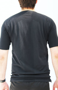 Men's black seamless shirt