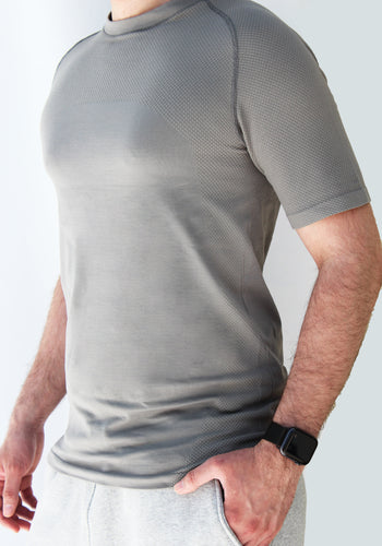 Men's grey seamless shirt