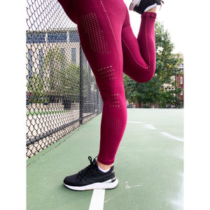 Burgundy seamless tights