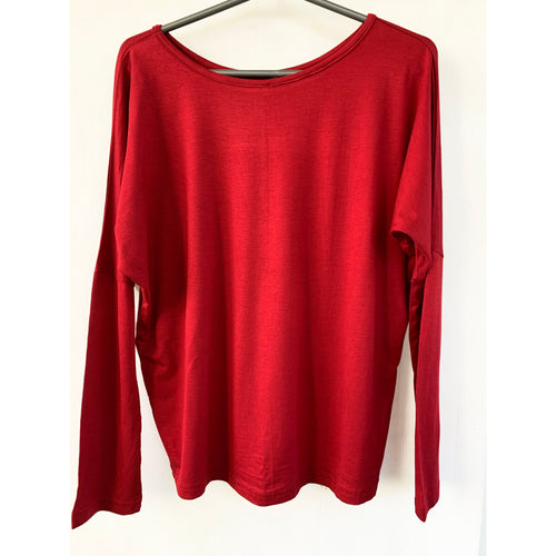 Boat neck red color top