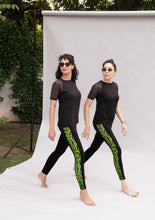 Load image into Gallery viewer, Animal instincts black leggings