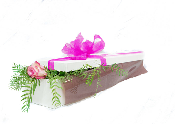 Single pink rose presentation box