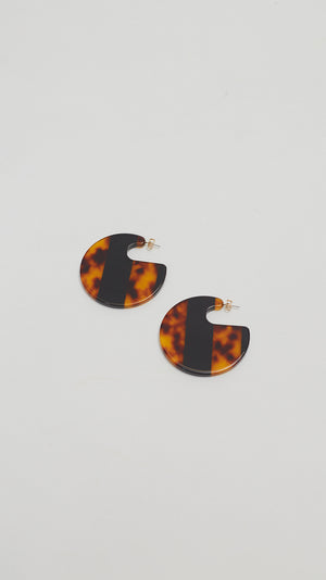 Rachel Comey Camille Earring in Striped Tortoise