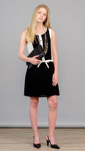 Sleeveless Pleated Dress - Black and White