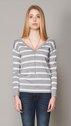 V Neck Sweater with Pockets - Grey & White