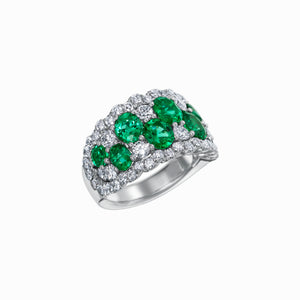 Signature 18k White Gold Ring With Diamonds And Emeralds