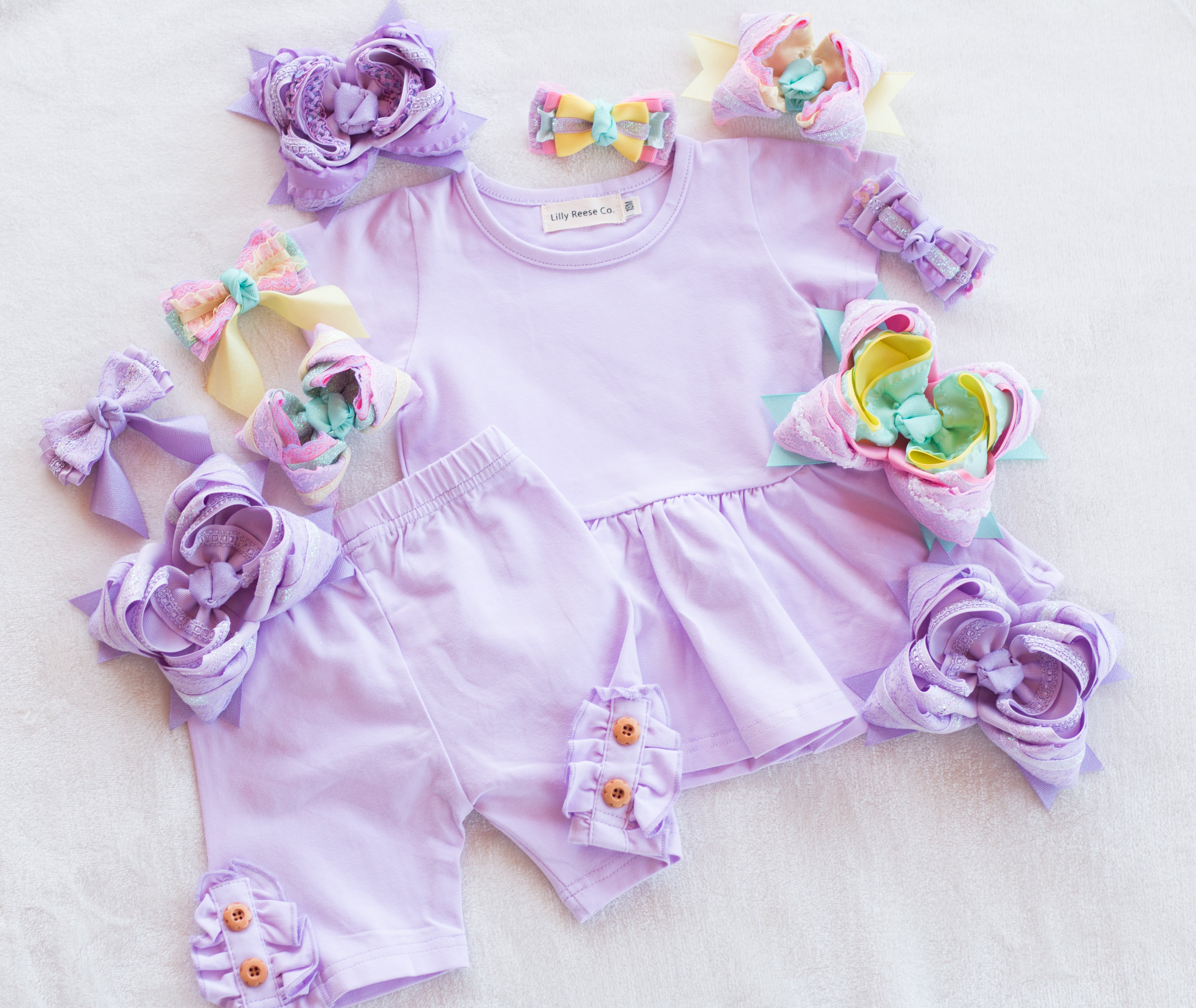 {Lavender } Button Shorties