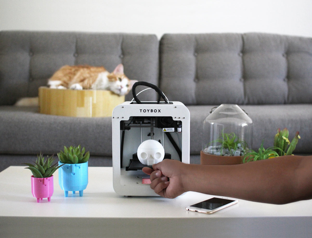 toybox 3d printer in use with cat