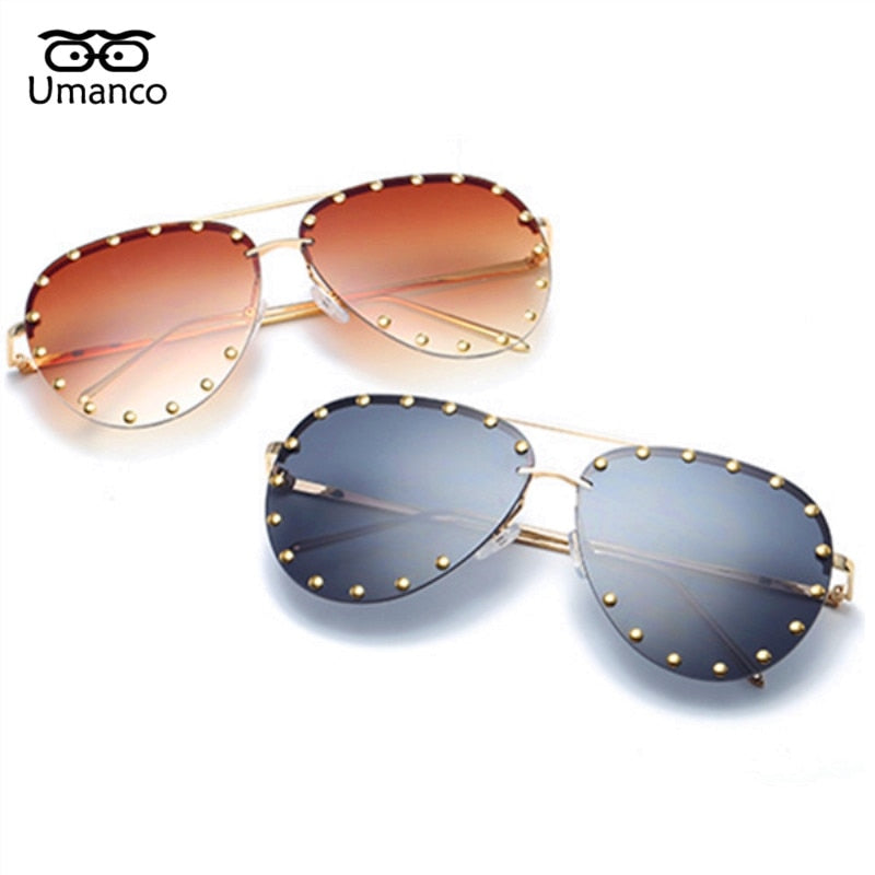 Vintage Sunglasses with gold stones