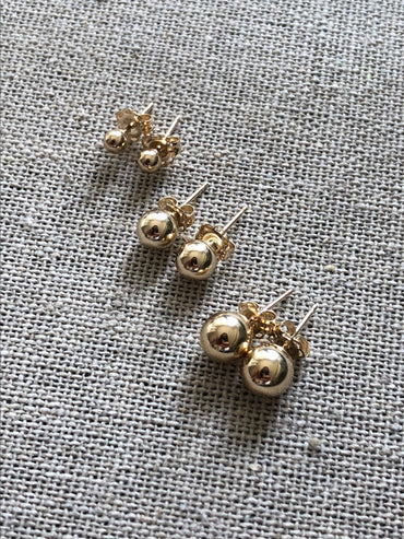 Solid Gold Full Moon Stud Earrings 3mm