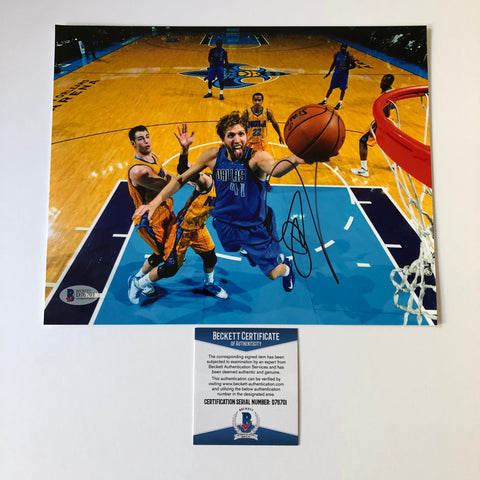 Dirk Nowitzki signed 8x10 photo BAS Beckett Dallas Mavericks Autographed
