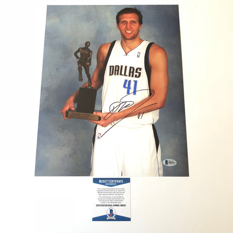 Dirk Nowitzki signed 11x14 photo BAS Beckett Dallas Mavericks Autographed