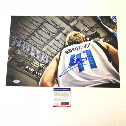 Dirk Nowitzki signed 12x18 photo PSA/DNA Dallas Mavericks Autographed