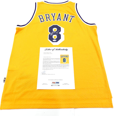 Kobe Bryant signed jersey PSA/DNA Los Angeles Lakers Autographed