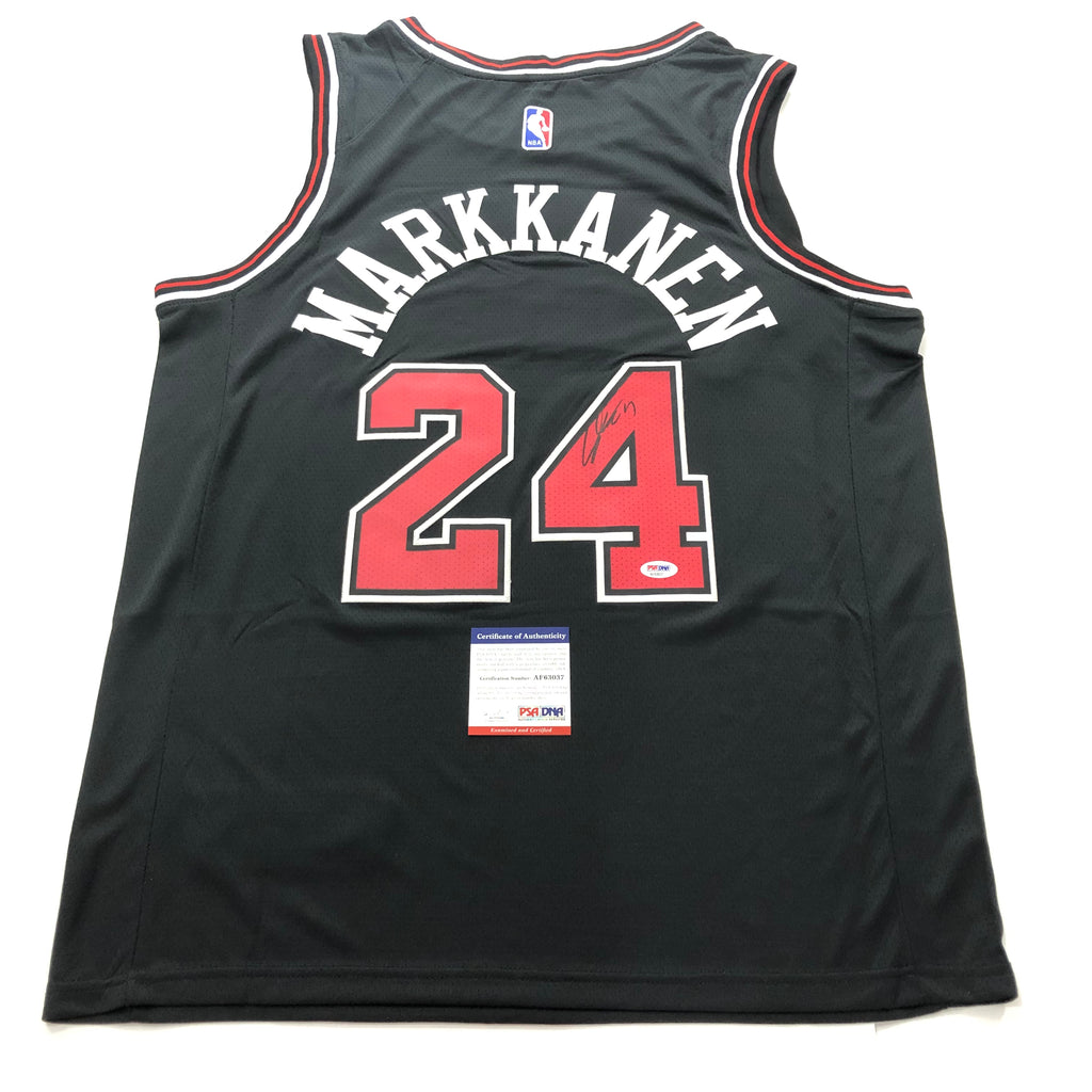 sale retailer 668bc 3ab50 Lauri Markkanen Signed Jersey PSA/DNA Chicago Bulls Autographed