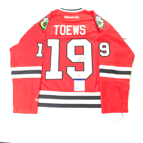 Jonathan Toews Signed Jersey PSA/DNA COA Chicago Blackhawks Autographed