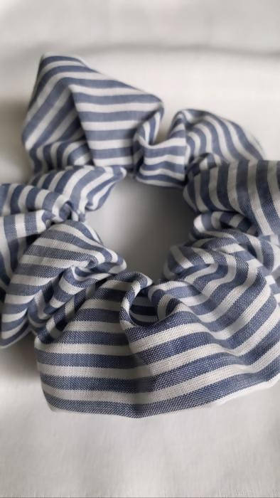 Muskoka Blues Stripy Scrunchie - Shop HamOnt