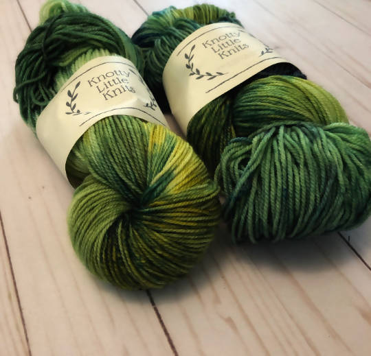 DK / Sport Weight / Indie / Hand Dyed yarn / Superwash Merino / Boreal Forest /Green / Yellow / White - Shop HamOnt
