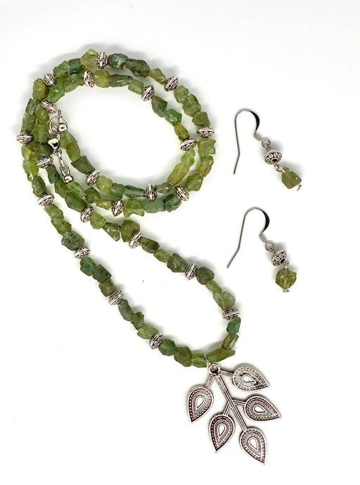 Raw peridot necklace - Shop HamOnt