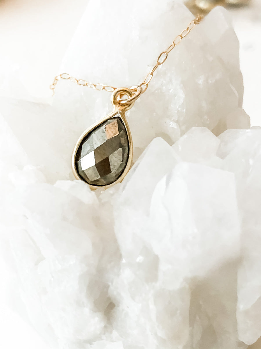 faceted pyrite gemstone necklace as seen on SVU Law & Order