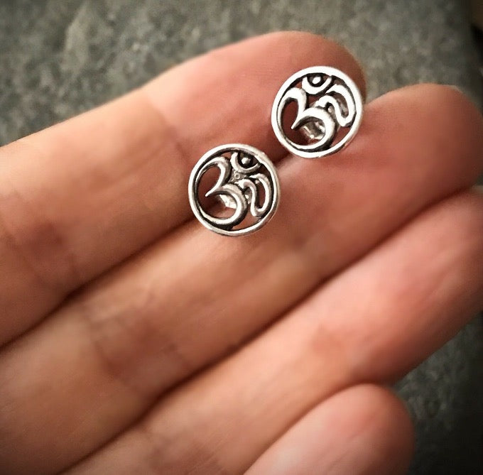 sterling silver open circle yoga inspired ohm om aum post stud earrings
