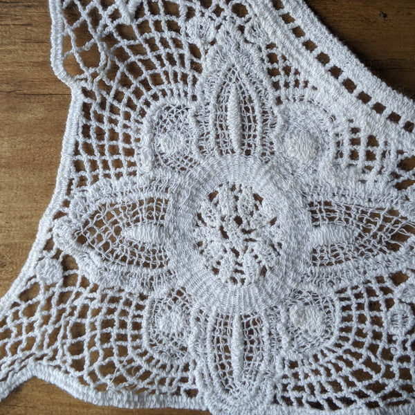 Lace Yoke in White