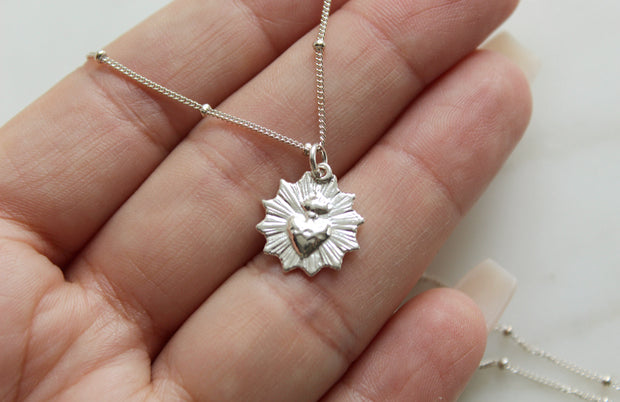 Scalloped Sacred Heart necklace (Sterling Silver)