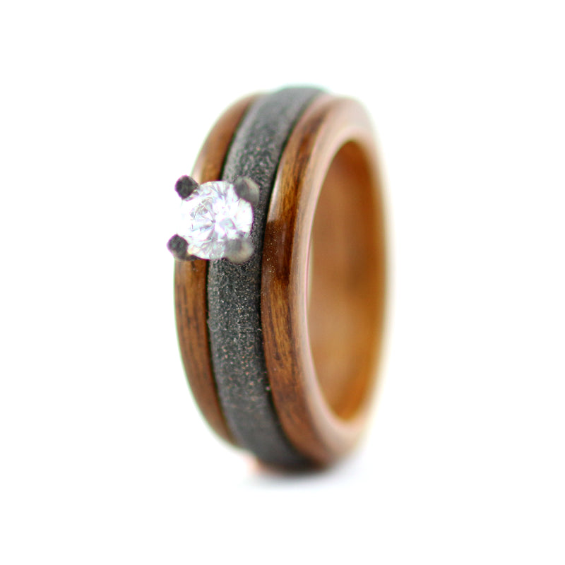 Steel and Wood Engagement Ring bu Gustav Reyes